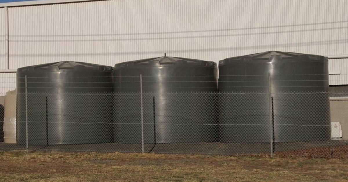 5 Reasons to Replace Metal Water Tanks With Poly Tanks