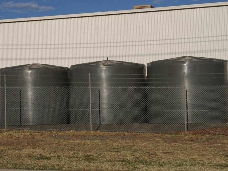 Choose plastic rainwater tanks over metal