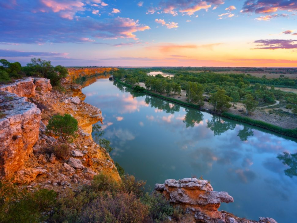 Mildura Murray River Cuts Through Rocky Area