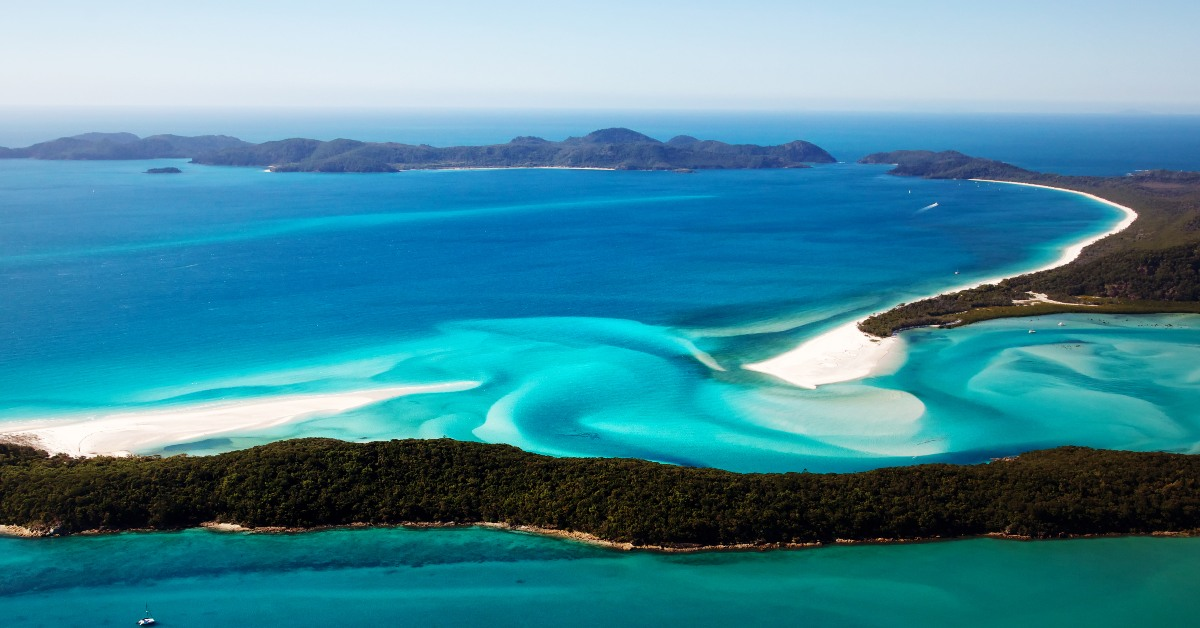 """alt=""""Aerial shot of the Whitsunday islands"""""""