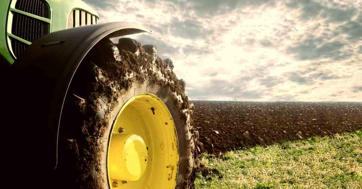 """alt=""""Tractor wheel"""""""